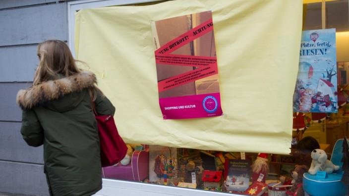 Hamburger Einzelhändler protestieren gegen Internetkäufe