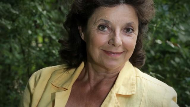 Groebenzell: Volksschauspielerin Monika Baumgartner unterwegs in Groebenzell