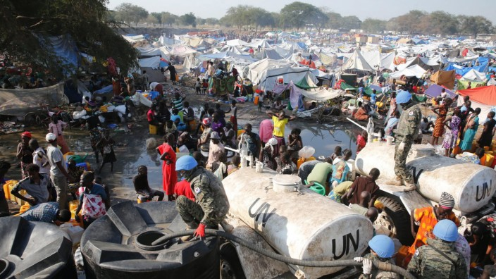 SUPPLYING WATER FOR REFUGEES