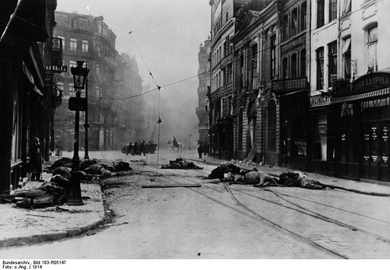Frankreich, Lille, nach Kämpfen; Erster Weltkrieg 1914 Kämpfe in Lille