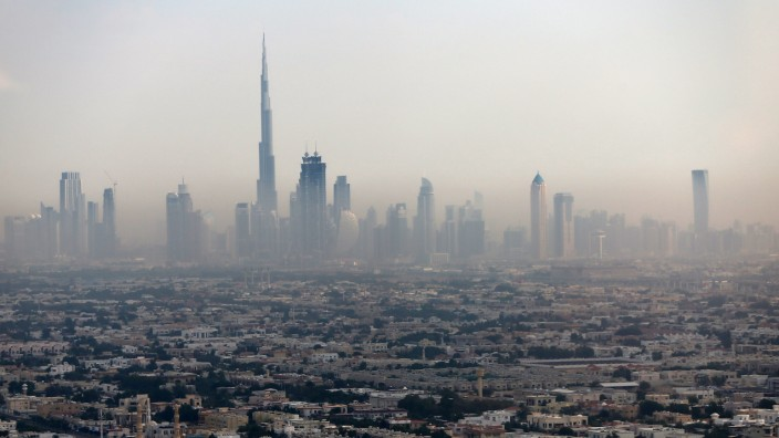Megabauten und Börseneinbrüche: Der Burj Khalifa, bislang das höchste Gebäude der Welt, in der Dubaier Skyline.