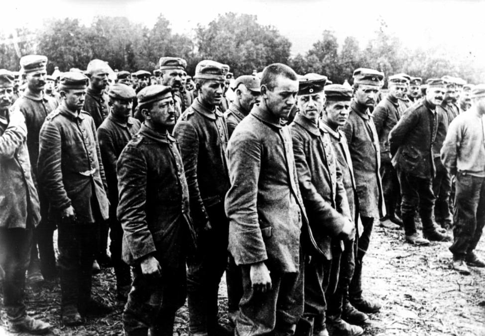 Erster Weltkrieg Westfront  Soldaten deutsche Kriegsgefangene
