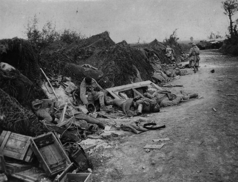Erster Weltkrieg Westfront Courcelles Frankreich Tote Soldaten