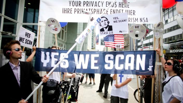 Proteste gegen NSA-Überwachungsprogramm in Berlin
