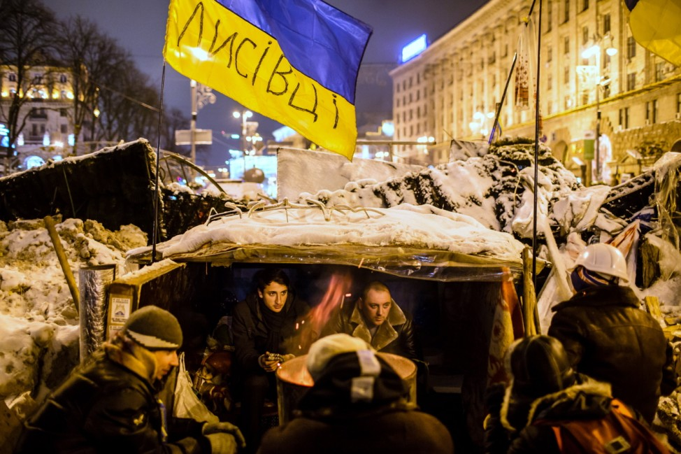 Clashes In Kiev As Police Try To Clear Protest Camps