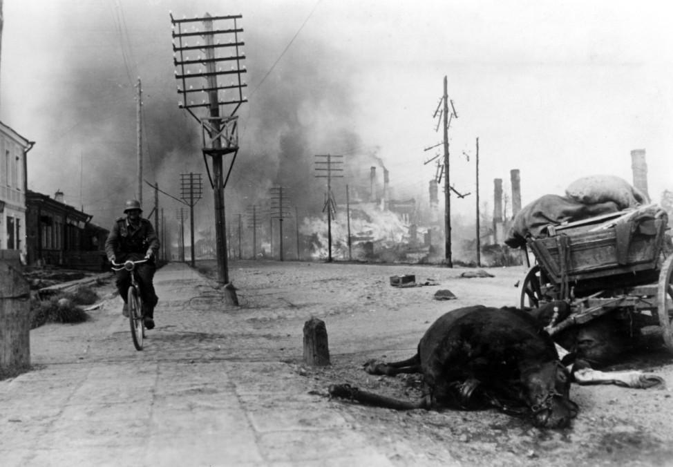 Zweiter Weltkrieg, Ostfront: Leningrader Blockade, September 1941-Januar 1943,    Second World War, Eastern Front: Siege of Leningrad, September 1941-January 1943