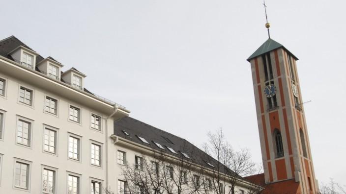 Misslungene Finanzgeschäfte: Die Kirche St. Markus und der Sitz des Münchner Dekanats.