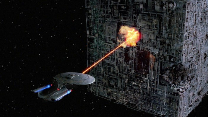 Raumschiff Enterprise gegen den Borg-Kubus