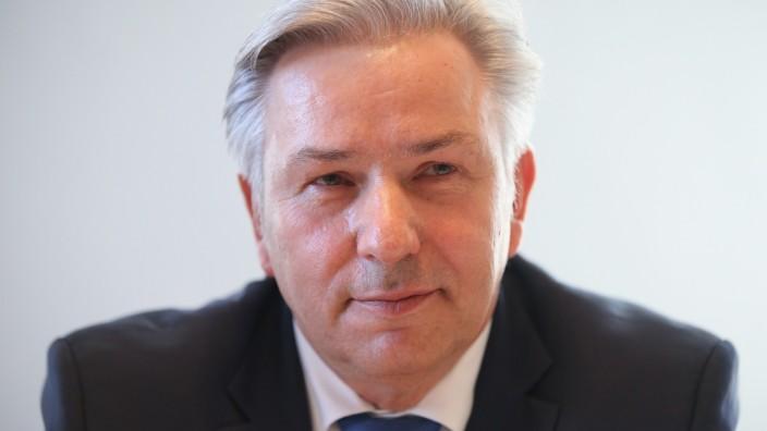 Wowereit Faces Inquiry Over Schmitz Tax Affair