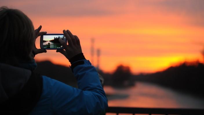 Sonnenuntergang an der Isar in München, 2013