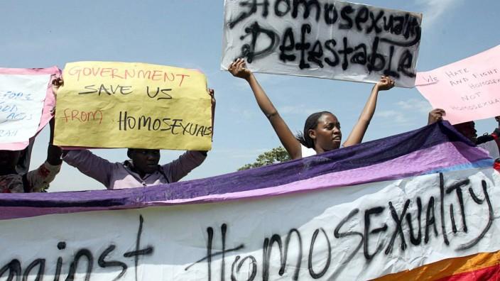 Uganda stellt Homosexualitaet schaerfer unter Strafe