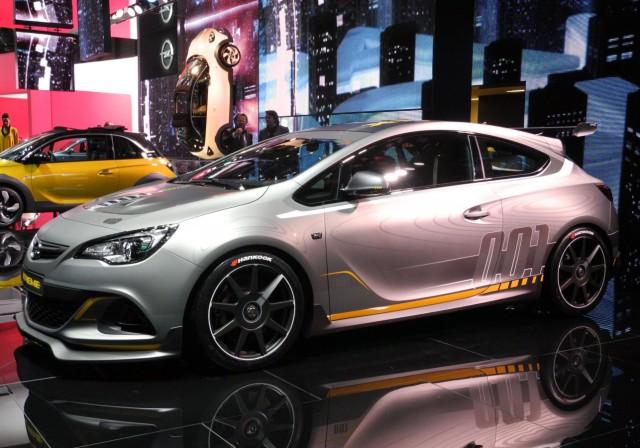 Der Opel Astra OPC Extreme auf dem Auto-Salon Genf
