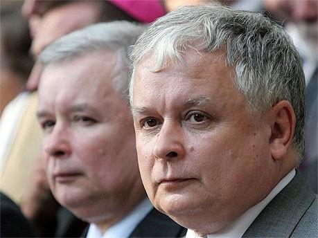 Lech und Jaroslaw Kaczynski, dpa