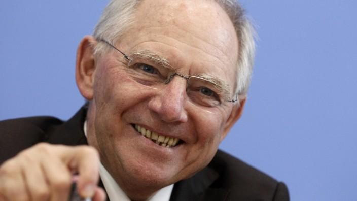 Finanzminister Wolfgang Schäuble präsentiert den Haushalt