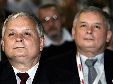 Lech und Jaroslaw Kaczynski; AFP