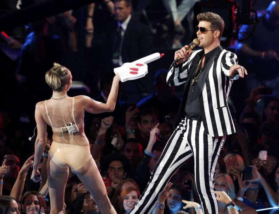 Miley Cyrus and Robin Thicke perform 'Blurred Lines' during the 2013 MTV Video Music Awards in New York