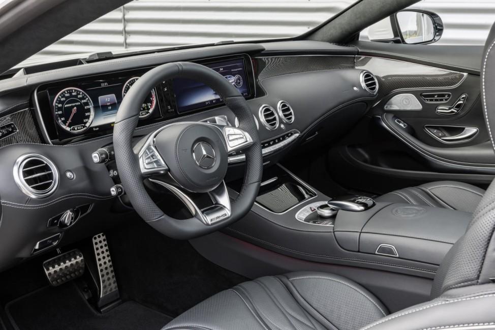 Der Innenraum des Mercedes S 63 AMG Coupés.
