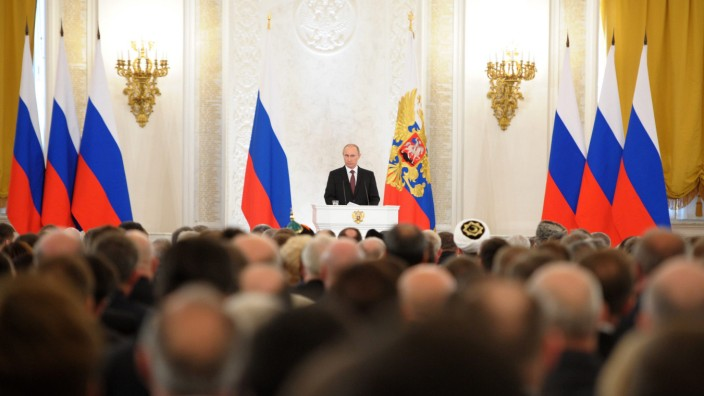 Russia's President Putin inks deal to incorporate Crimea