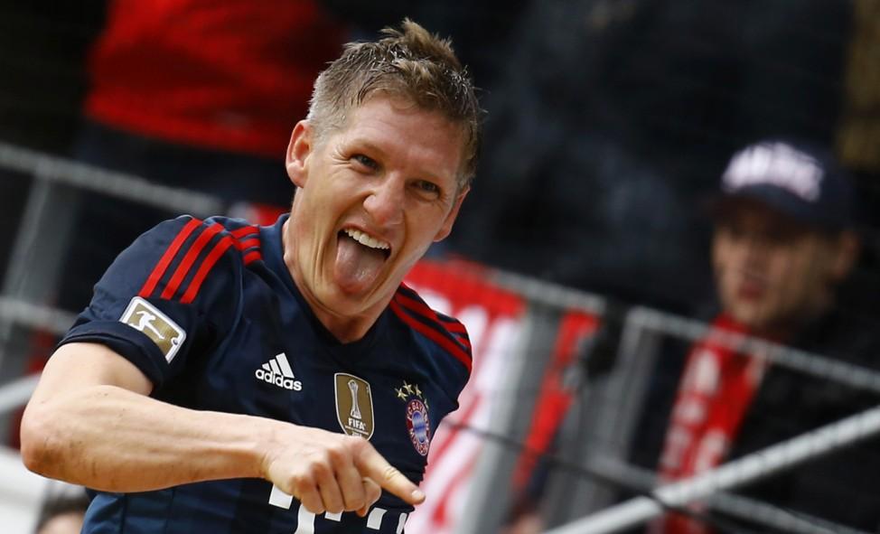 Bayern Munich's Bastian Schweinsteiger celebrates his goal during their German first division Bundesliga soccer match against FSV Mainz 05 in Mainz