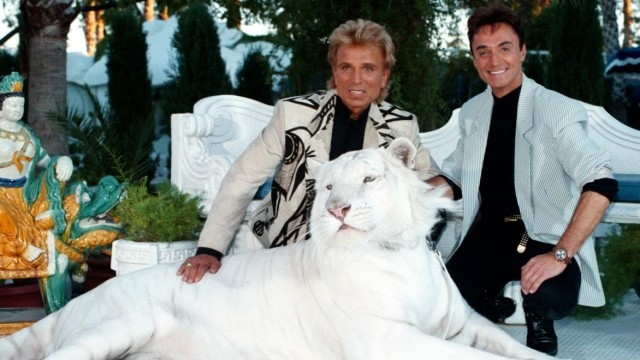 FILE: Siegfried and Roys White Tiger Mantecore has Died
