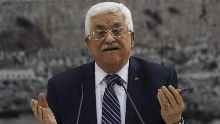 Palestinian President Abbas attends a meeting with Palestinian leadership in Ramallah