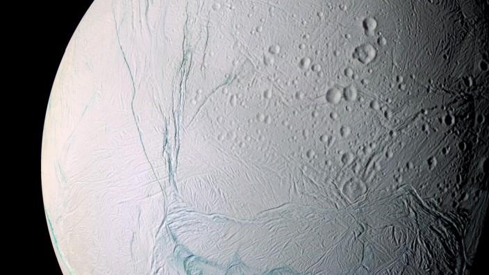 Unterirdischer Ozean auf Saturnmond