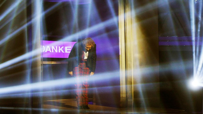 TV show host Gottschalk takes a bow at the end of the German game show 'Wetten Dass' in Friedrichshafen