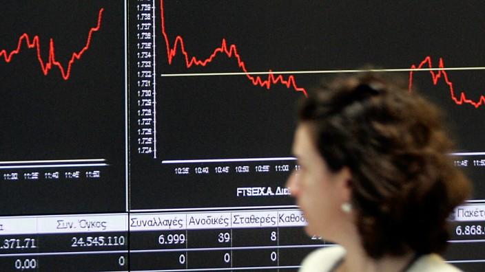 Stock Exchange Reacts To Greece's Return To International Bond Markets