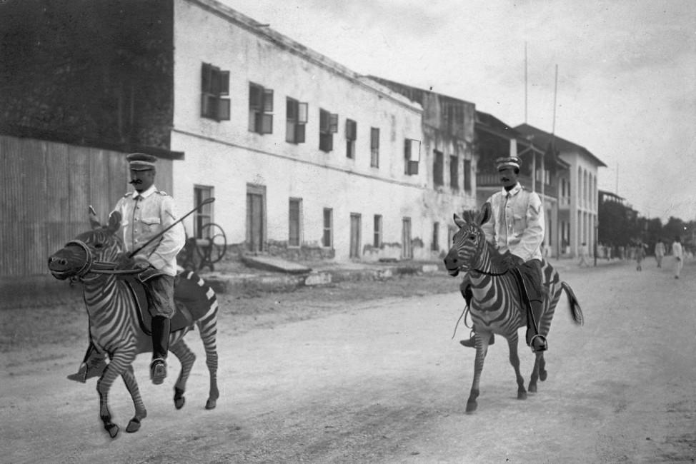 Soldaten auf Zebras in Deutsch-Ostafrika, 1911