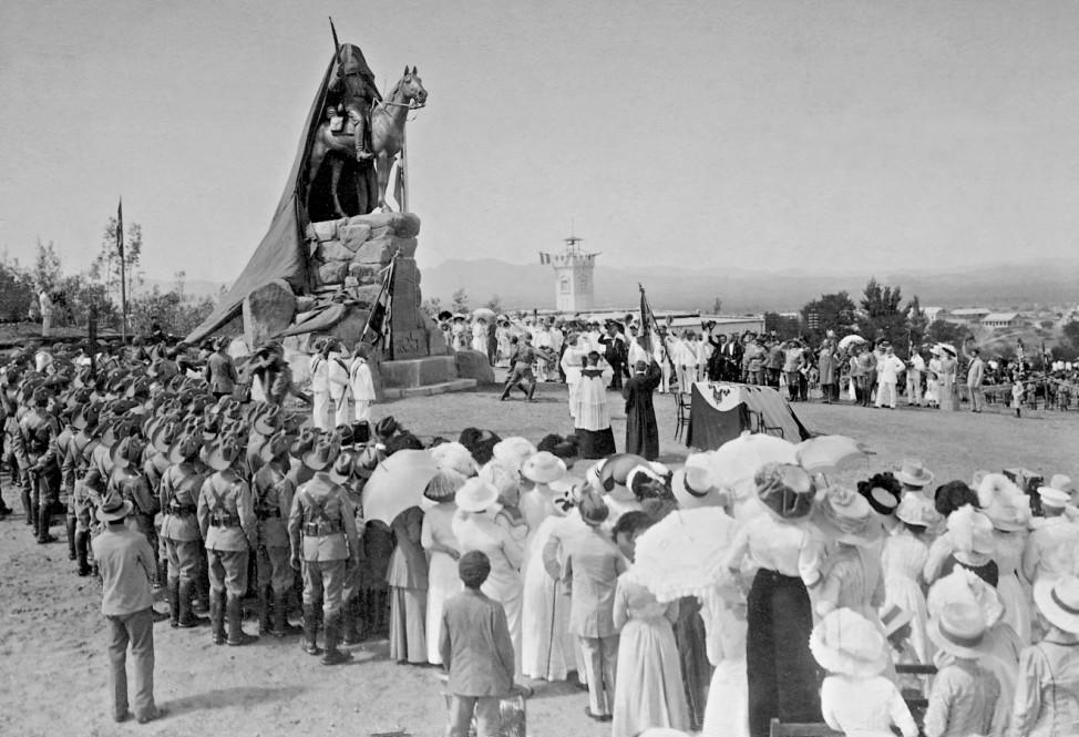 Enthüllung eines Kriegerdenkmals in Deutsch-Südwestafrika, 1912