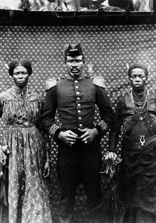 Häuptling Malimba mit seinen Frauen, 1903