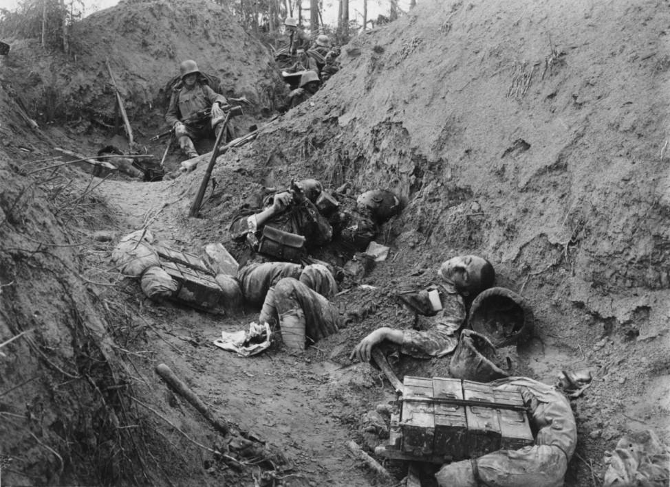 Erster Weltkrieg, Front in Italien. In der feindlichen Stellung am Piave-Damm  Foto: k. u. k. Kriegspressequartier