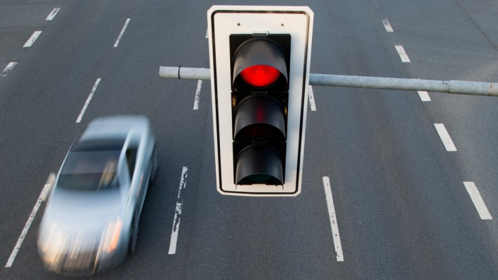 Selbst Kinder wissen: Eine rote Ampel bedeutet Stopp.