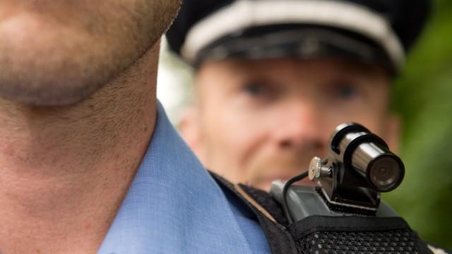 Überwachungskameras für Streifenpolizisten