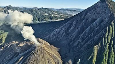 Vulkan vor dem Ausbruch: In jeder Stunde stößt der Vulkan Santa Maria Gas und Asche aus - man könnte fast die Uhr danach stellen.