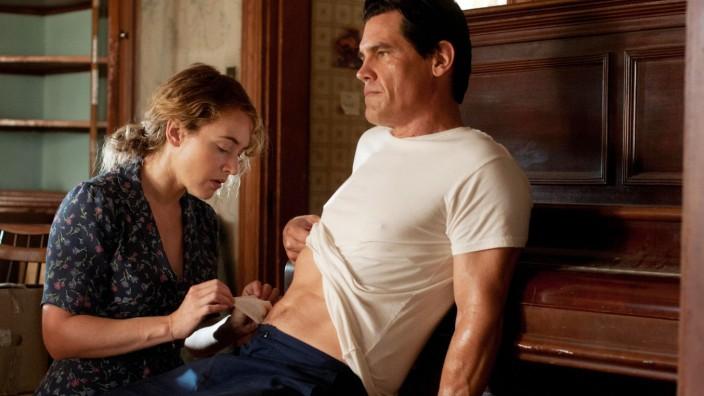 Kate Winslet and Josh Brolin