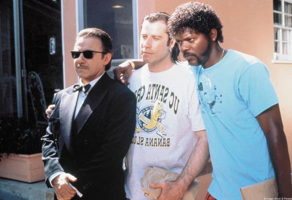 Harvey Keitel (links), John Travolta (Mitte) und Samuel L. Jackson (rechts) in Pulp Fiction (1994).