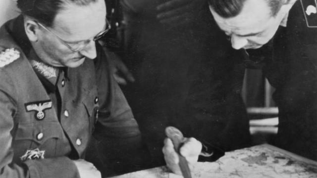 Hans Speidel mit deutschen Offizieren an der Ostfront, 1943