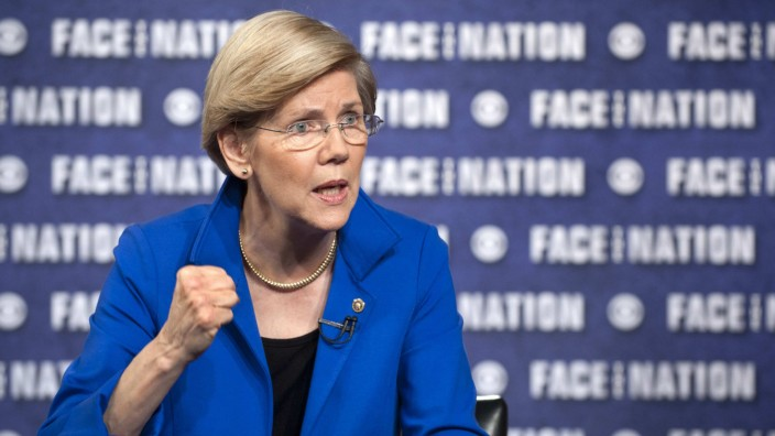 Senator Elizabeth Warren (D-MA) talks with Bob Schieffer on 'Face the Nation' in Washington