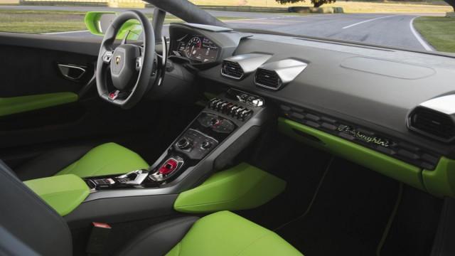 Der Innenraum des Lamborghini Huracan LP 610-4