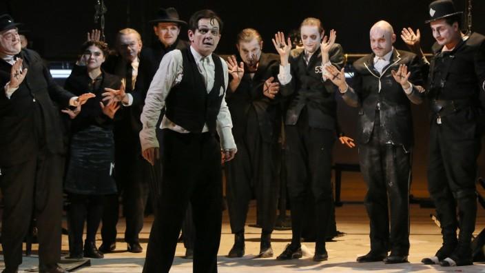 """""""Kafkas Prozeß"""" am Berliner Ensemble"""