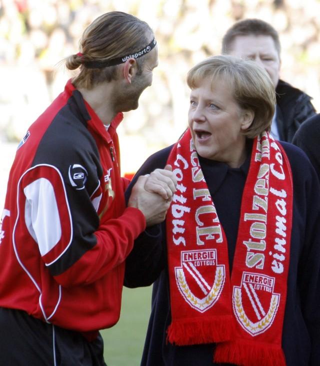 Energie Cottbus - Borussia Dortmund Merkel wird Ehrenmnitglied
