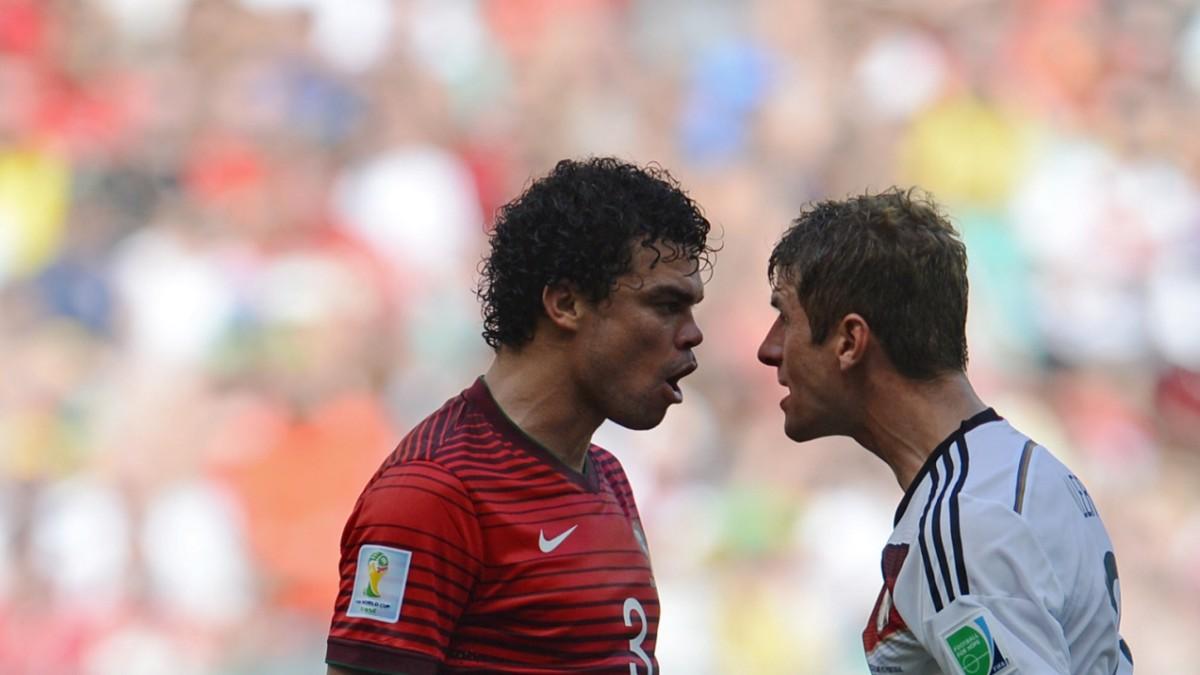 WM-Auftakt gegen Portugal: Pepe gereizt von Nervensägen - Sport - SZ.de