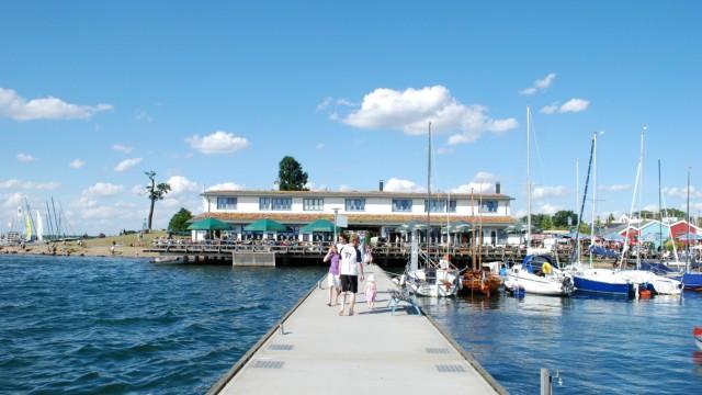 Wo vor 21 Jahren eine hässliche Kraterlandschaft war, ist jetzt der Cospudener See mit dem Hafen Zöbigker und dem Seerestaurant.