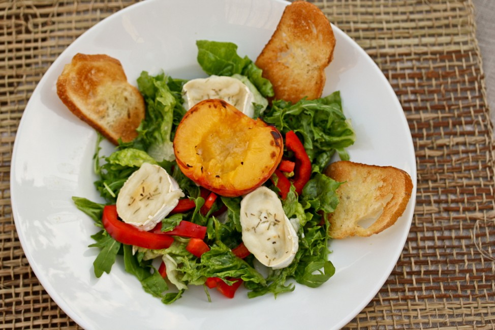 Salat pfirsich ziegenkäse kochnische