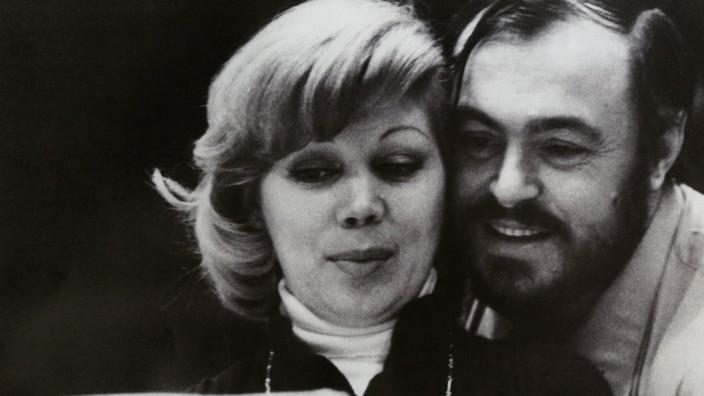 Tenor Luciano Pavarotti und Sopranistin Mirella Freni