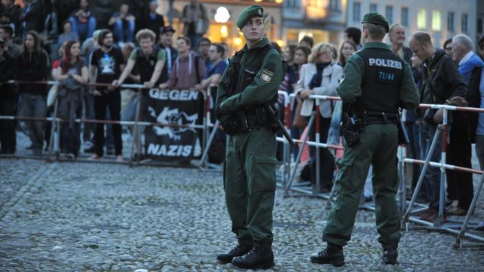 Engagement gegen Rechtsextremisten: Nach Meinung vieler Aktivisten hält sich der Freistaat zu sehr zurück.