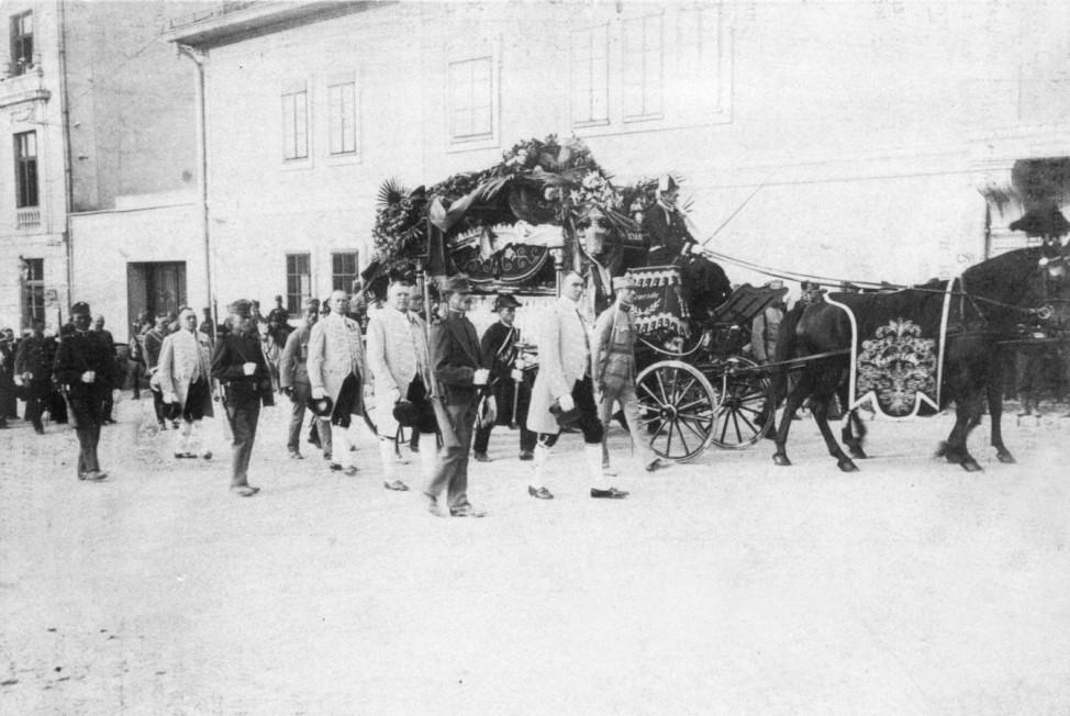 Überführung der Leichen von Franz Ferdinand und Sophie zum Bahnhof, 1914