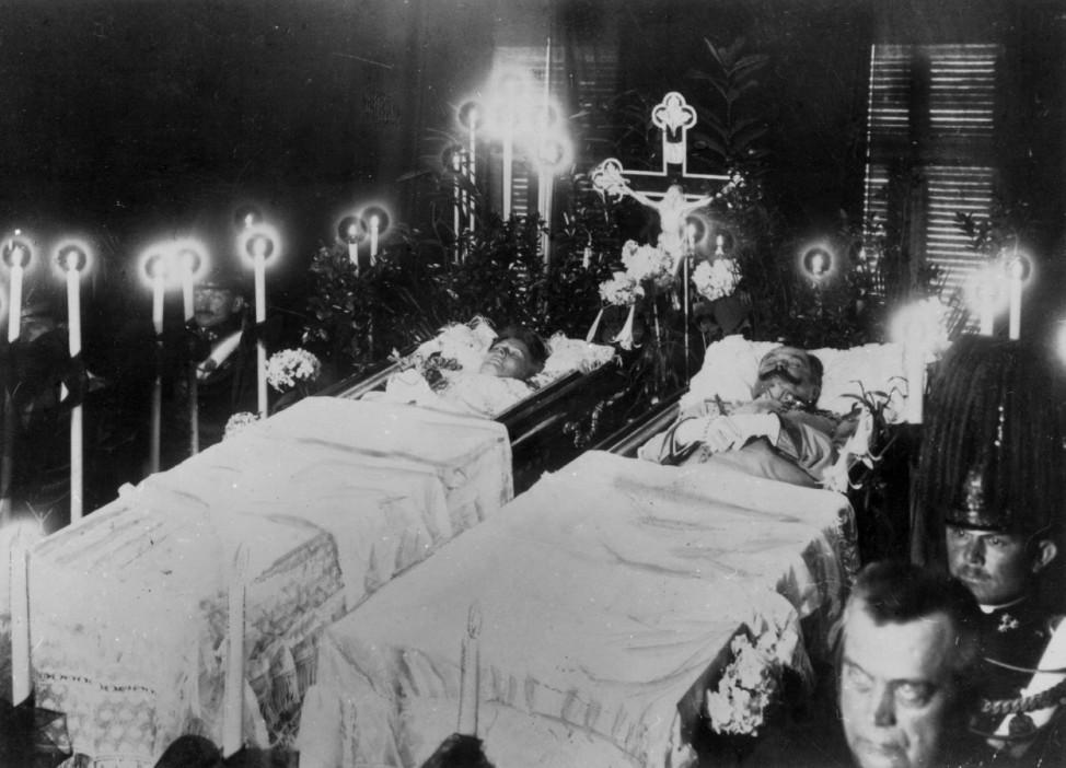 Särge von Franz Ferdinand und Sophie, 1914