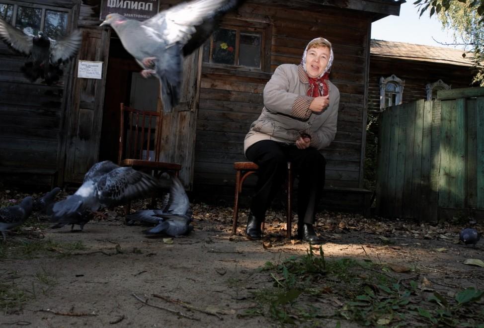Andrej Krementschouk, Verkäuferin von Trauerkränzen, Woskrenskoje